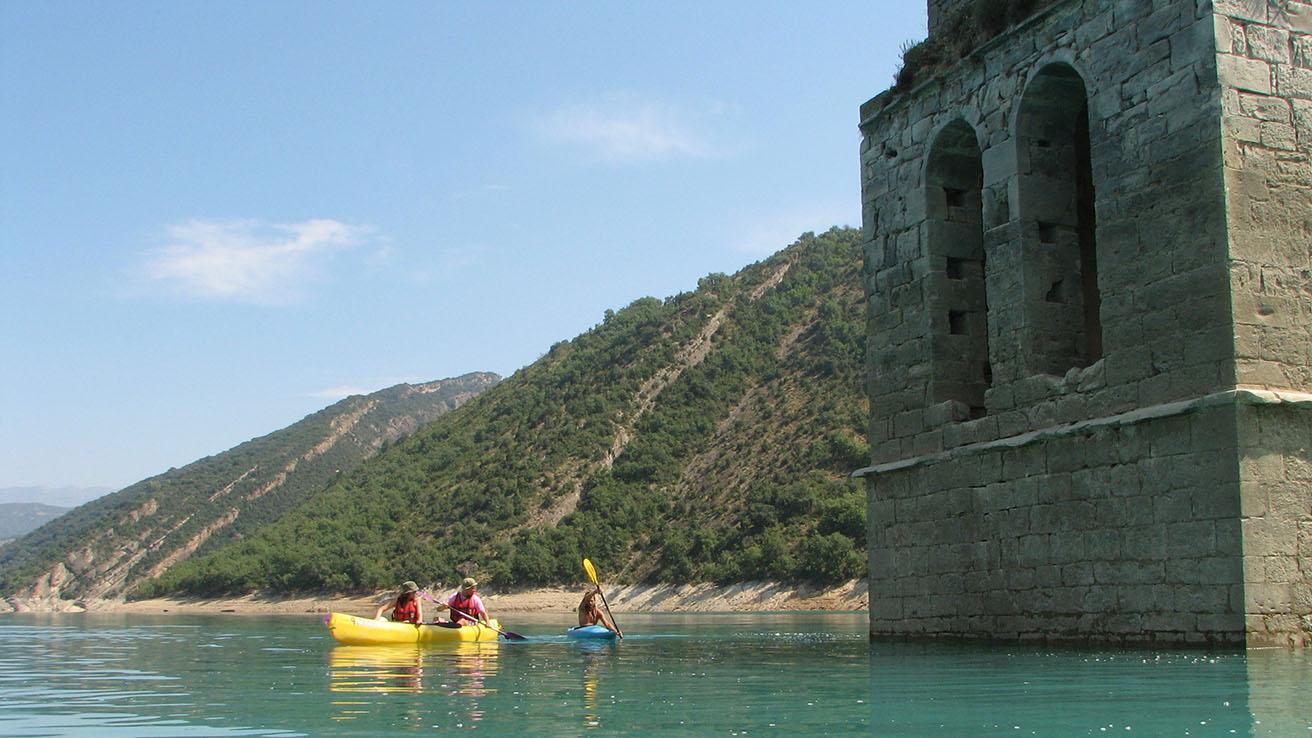 Canoa doble Kayak Pirineos Torre de Mediano