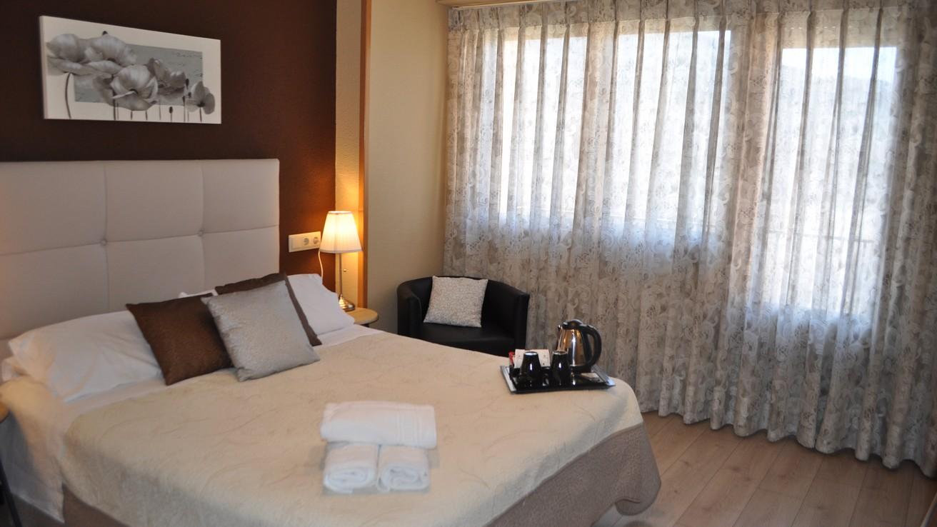 HOTEL SÁNCHEZ-Doble con balcón