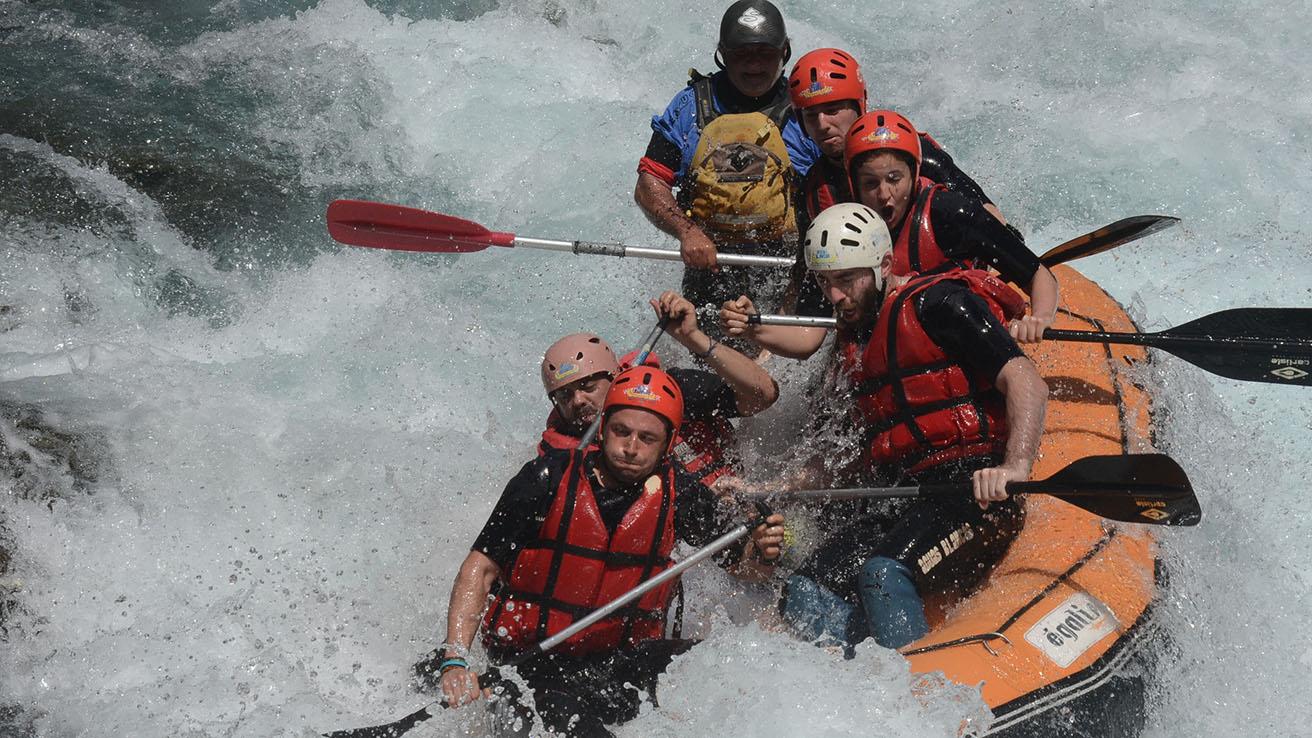 Rafting Pirineos Rio Ara