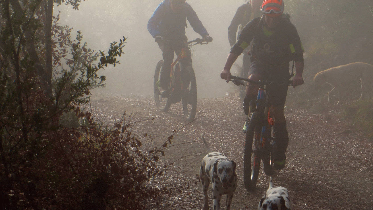 Pirineos E Bike la niebla