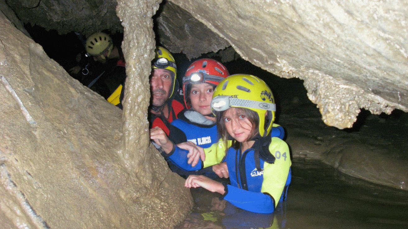 Pirineos Familias Cueva