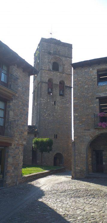 Torre de la Iglesia de Santa María en Aínsa